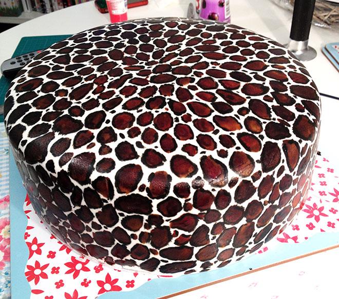 Leopard_Print_Wedding_Cake_Blog_4