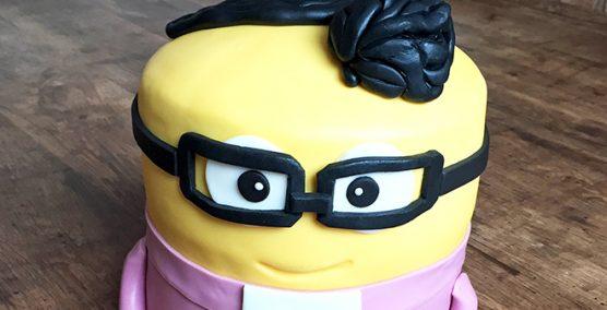 Minion Minister cake