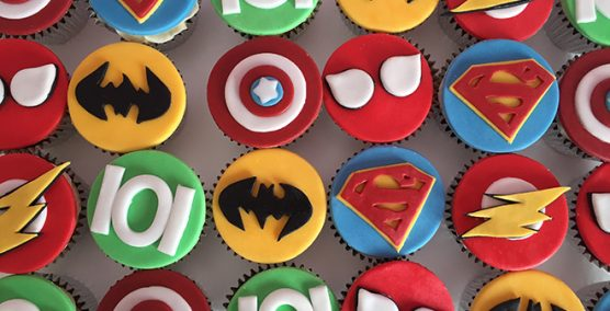 Batman cake & superhero cupcakes